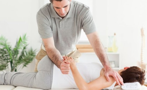 What are the myths about chiropractors you should not believe in?