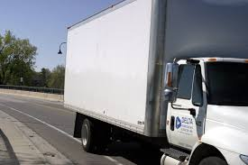 Excellent benefits of choosing moving company